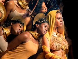 1486958061-beyonce-grammys-performance-bts-group-1486955535